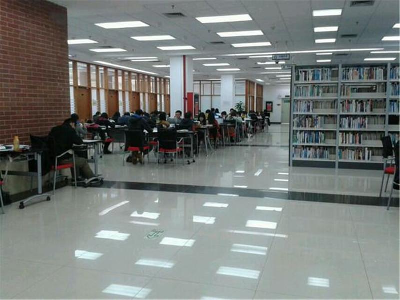 暨南大学图书室